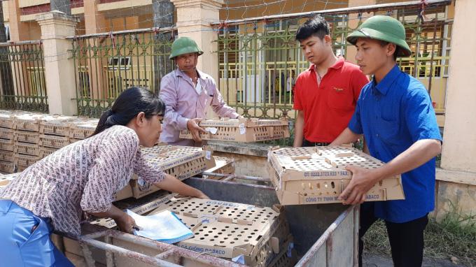Tập đoàn Dabaco tặng miễn phí 50.000 con gà giống J-Dabaco cho nông dân Hà Nam - Ảnh 5.