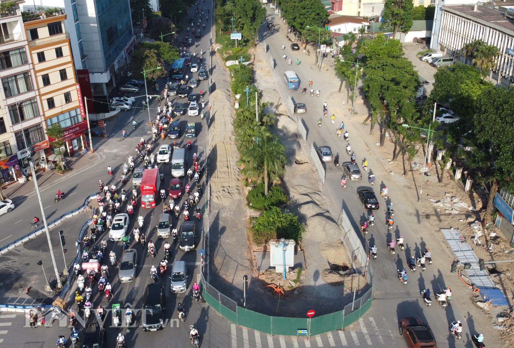 Người dân chật vật di chuyển qua nút giao đang thi công đường vành đai 2,5 - Ảnh 5.