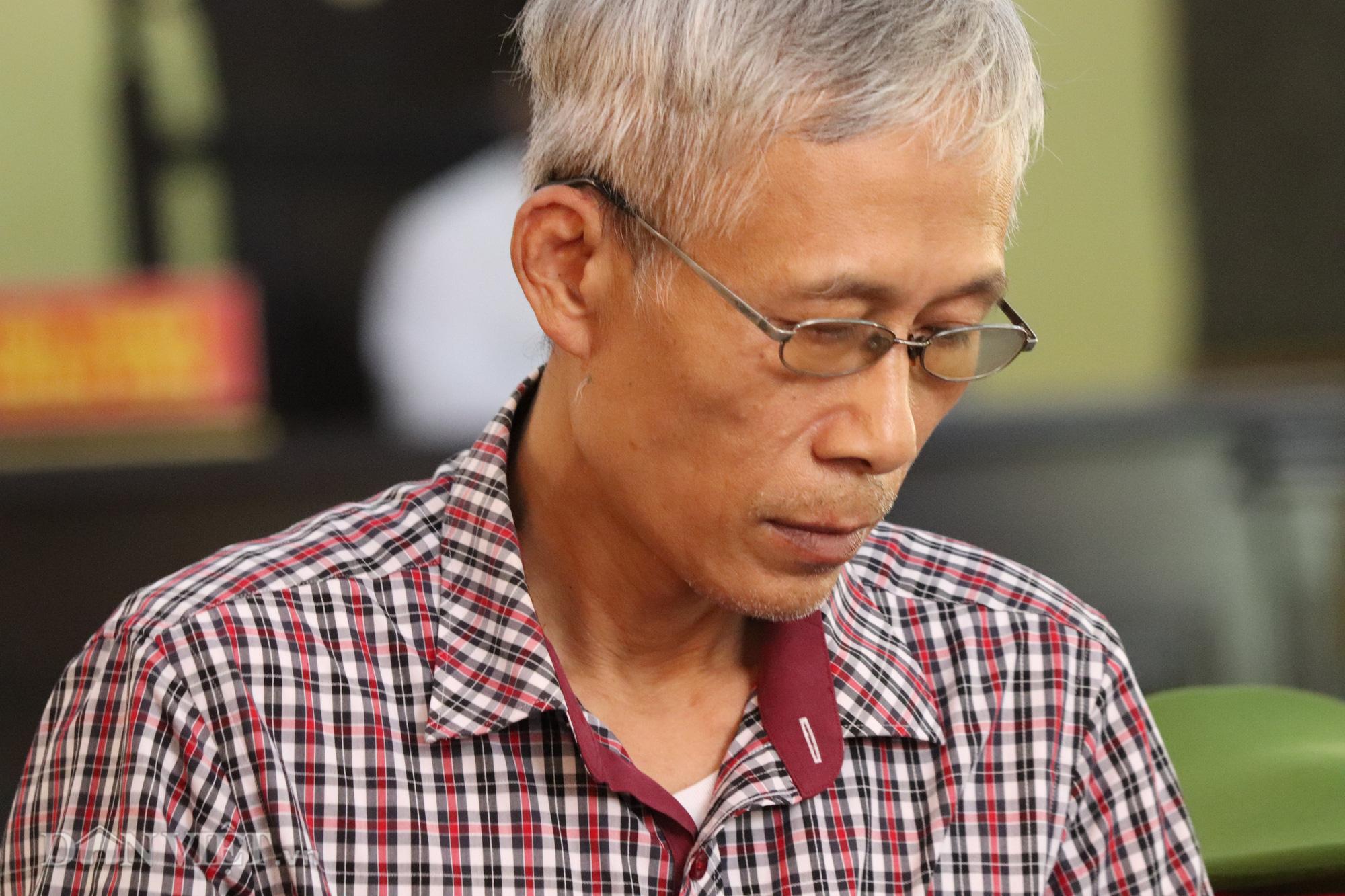 Cựu Giám đốc Sở GDĐT Hoàng Tiến Đức tiếp tục vắng mặt - Ảnh 5.