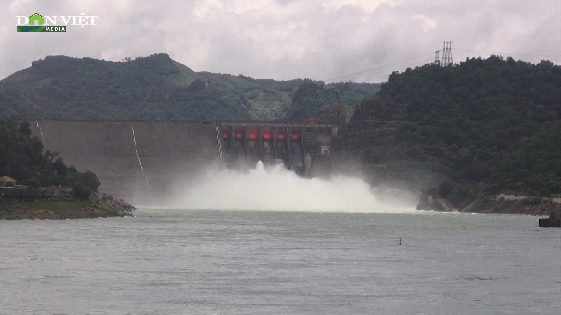 Đầu mùa hè, cảnh báo mực nước tại các hồ thủy điện xuống thấp