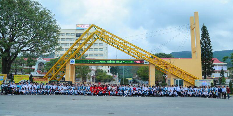 Chủ tịch tỉnh Quảng Ninh làm hiệu trưởng trường đại học vì…có bằng tiến sỹ - Ảnh 1.