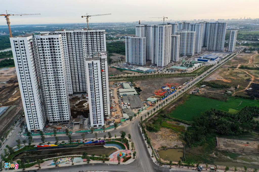 Nhà đầu tư ngoại tăng gom bất động sản Việt - Ảnh 1.