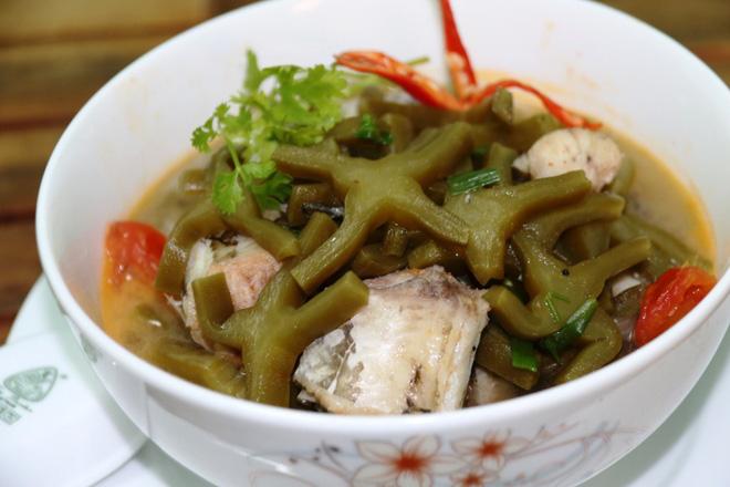 Tròn mắt với các món ăn kỳ lạ từ loại cây gai góc xương rồng của người dân xứ Quảng - Ảnh 3.