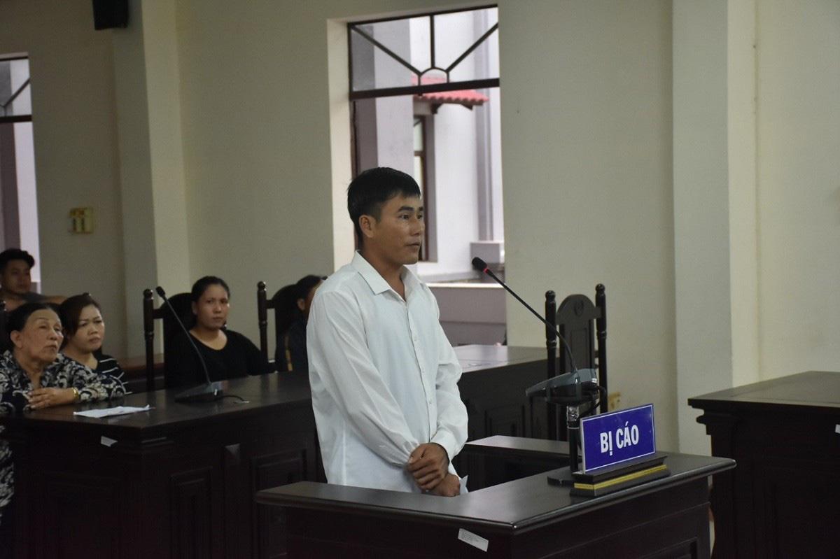 Xót xa sau bản án em đâm chết anh cùng mẹ khác cha vì mâu thuẫn tình cảm - Ảnh 1.