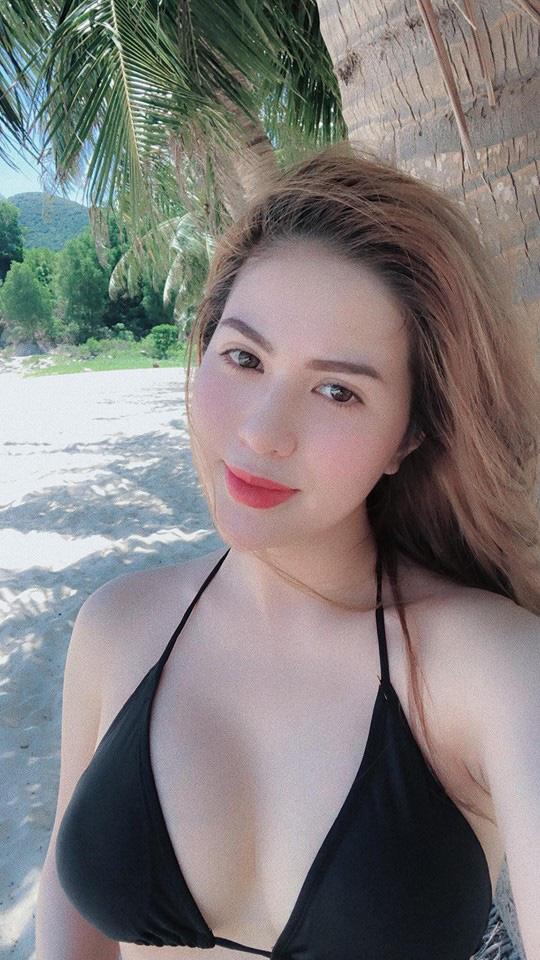 """Những lần vợ cũ hot girl của Việt Anh mặc bikini """"đốt mắt"""" khiến bao người đắm đuối - Ảnh 4."""
