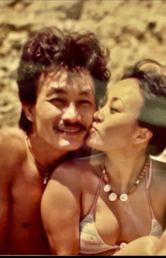 """Tuổi 65, danh ca Hương Lan đáp trả """"cực gắt"""" khi bị """"soi"""" ảnh hiếm hoi mặc bikini quyến rũ - Ảnh 1."""