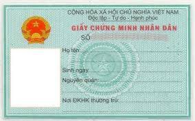 Bắt nhóm làm giả chứng minh nhân dân để mở thẻ ngân hàng chiếm đoạt tiền - Ảnh 1.