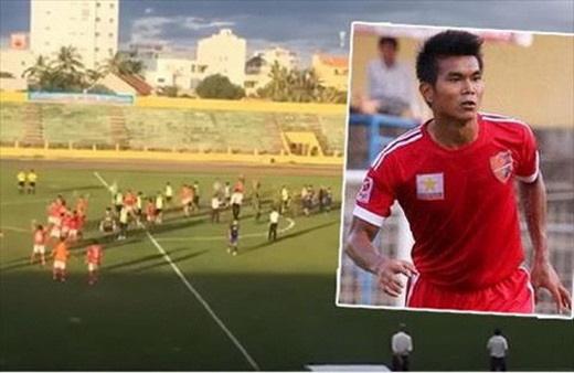 5 vụ CĐV rượt đánh trọng tài chấn động bóng đá Việt Nam - Ảnh 5.