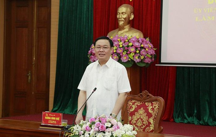 Bí thư Thành ủy Vương Đình Huệ phát biểu tại buổi làm việc với quận Nam Từ Liêm.