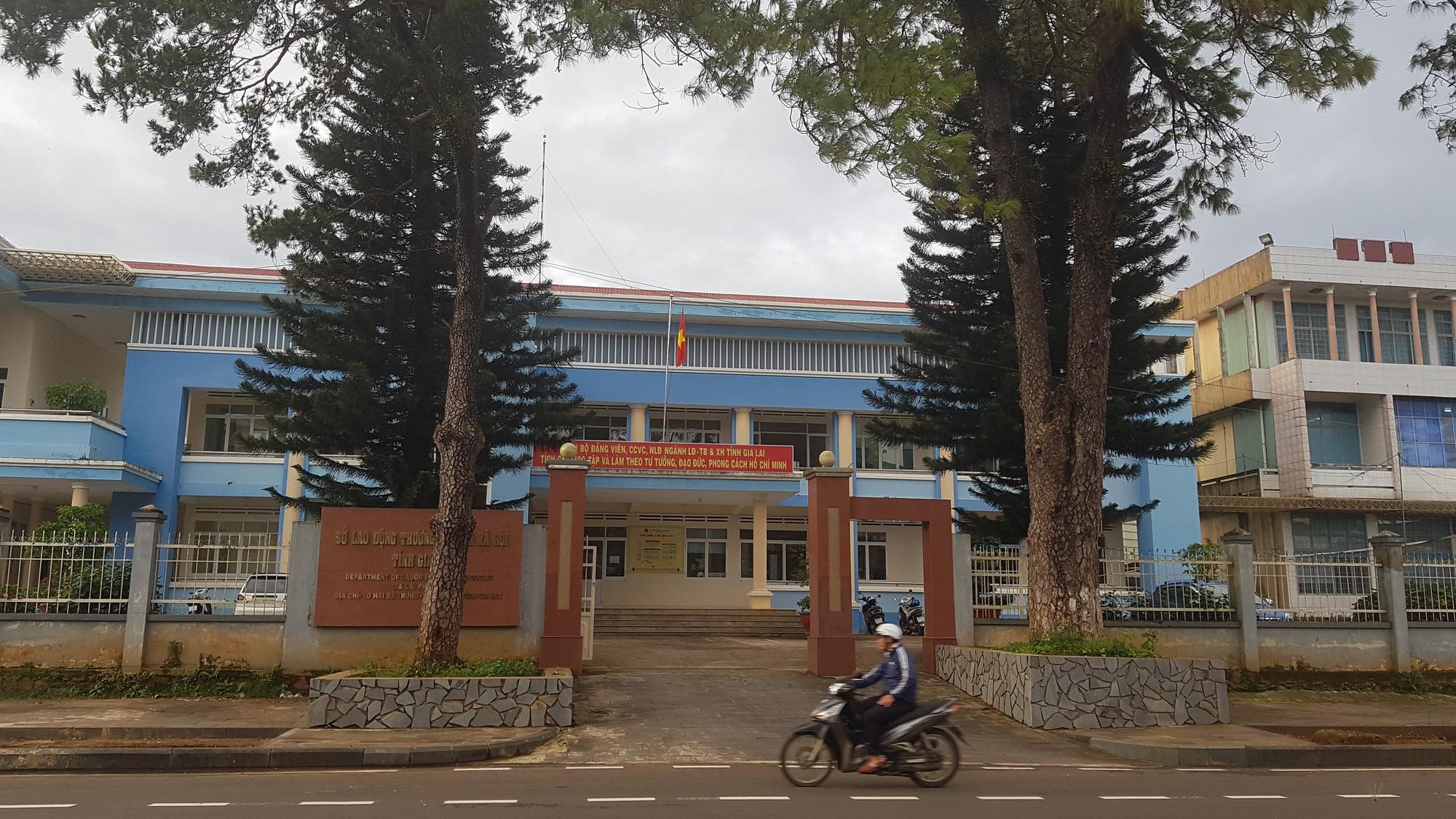 Giám đốc Sở LĐTBXH tỉnh Gia Lai bổ nhiệm, luân chuyển 5 cán bộ sai quy định - Ảnh 2.