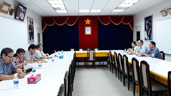 Hỗ trợ giới thiệu việc làm cho công nhân Công ty Huê Phong - Ảnh 1.