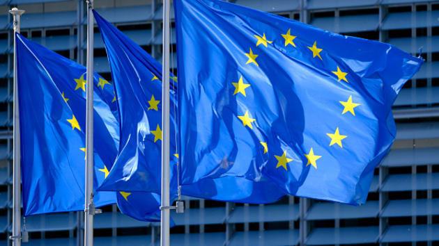 Khu vực đồng EUR rơi vào suy thoái kinh tế lần thứ hai trong hơn một năm - Ảnh 1.