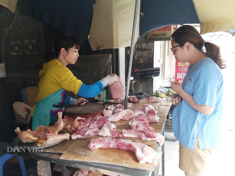 Ăn nhiều thịt gà, vịt, cá... để đủ dinh dưỡng - Ảnh 1.
