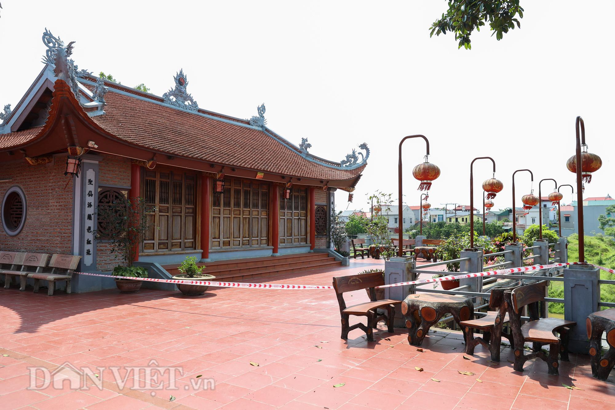Đền Ba Voi ở Hà Nội bị đóng cửa vì sạt lở bờ sông - Ảnh 8.