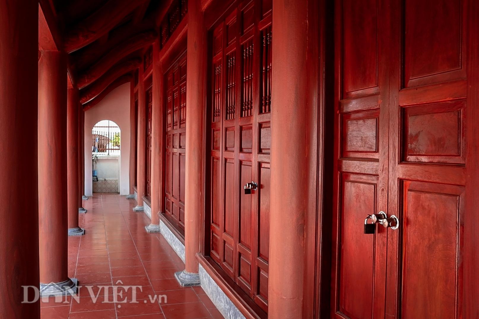 Đền Ba Voi ở Hà Nội bị đóng cửa vì sạt lở bờ sông - Ảnh 10.