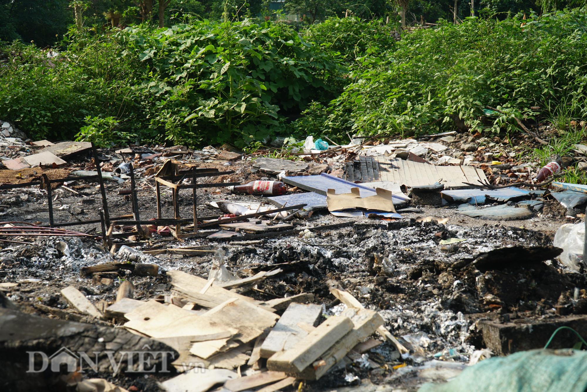 Người dân Thủ đô khốn khổ vì bãi tập kết rác tự phát  - Ảnh 6.