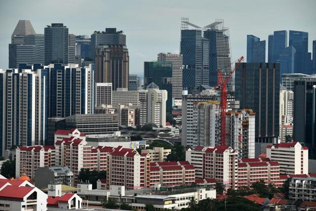 Lo kinh tế suy thoái, nhà giàu Trung Quốc đổ xô mua bất động sản hạng sang - Ảnh 1.