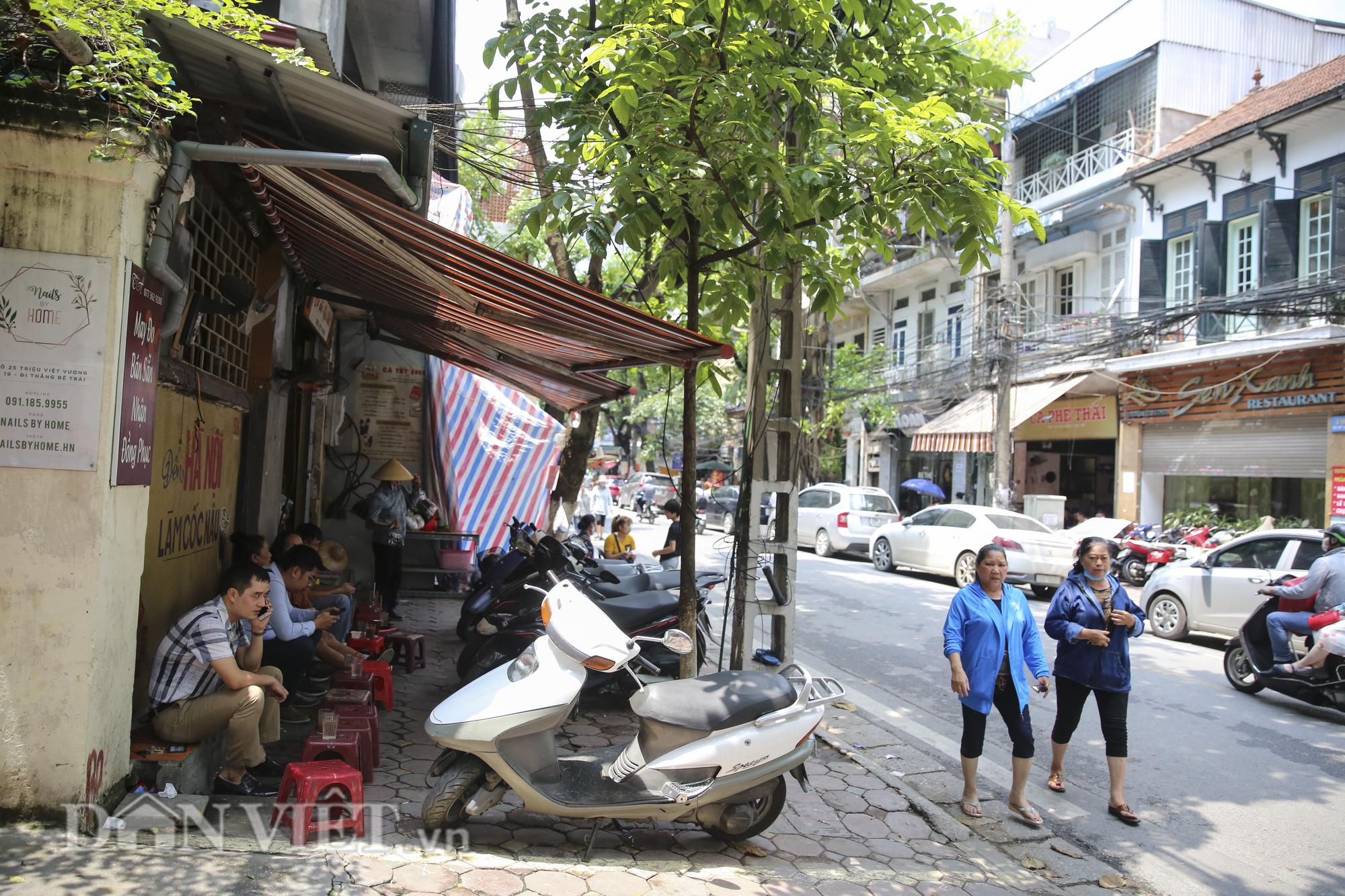 """Ngất ngây hương vị """"rang củi"""" tại quán cà phê lâu đời nhất Hà Nội - Ảnh 2."""
