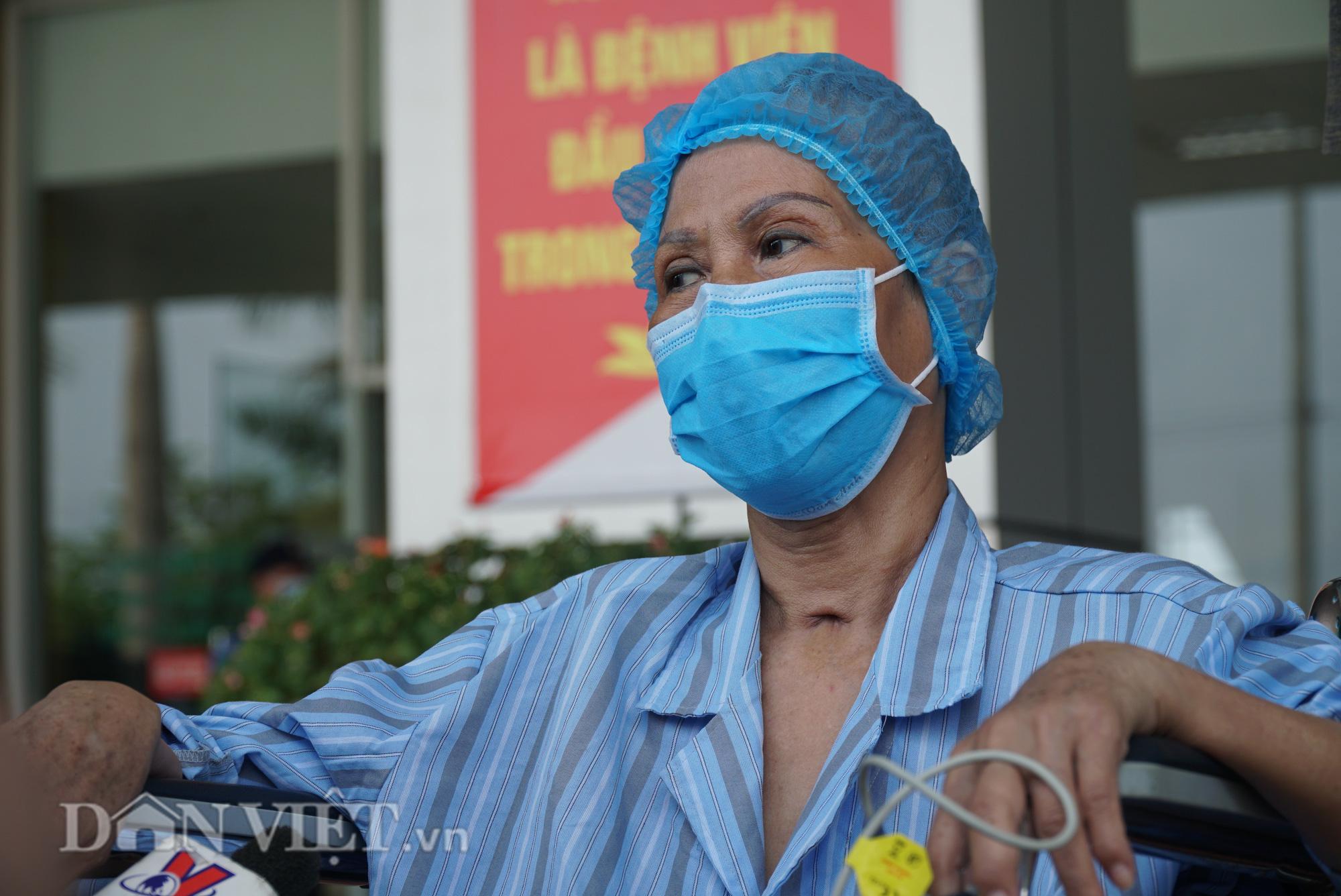Bác bệnh nhân số 17 chính thức khỏi Covid-19 sau hơn 2 tháng điều trị - Ảnh 4.