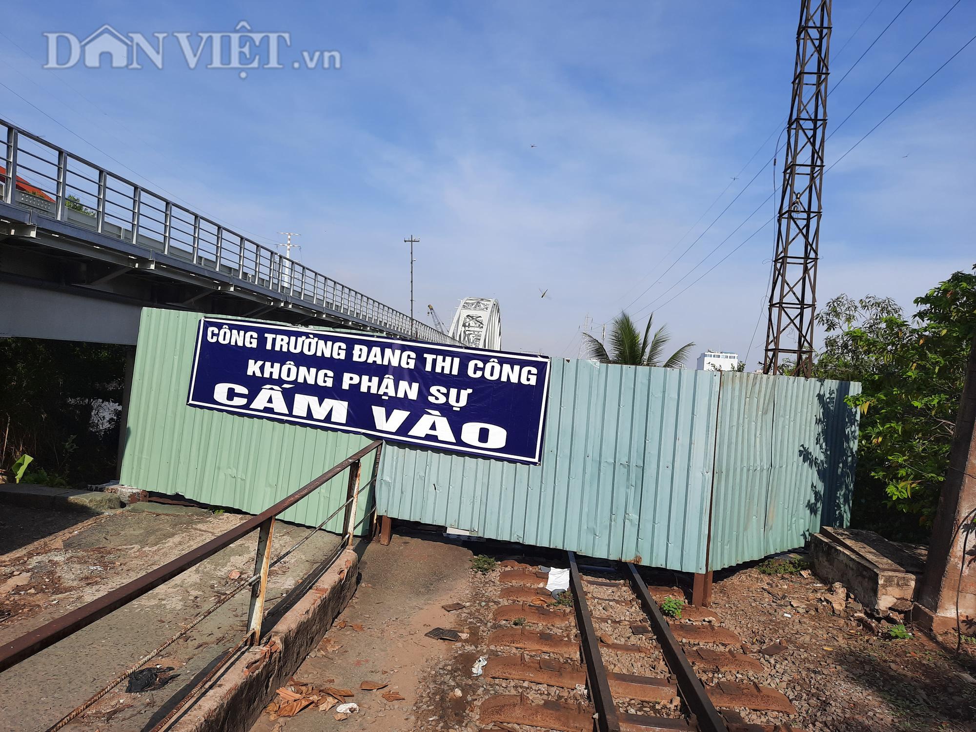 Hết ùn tắc giao thông đường thủy tại cầu sắt Bình Lợi - Ảnh 3.