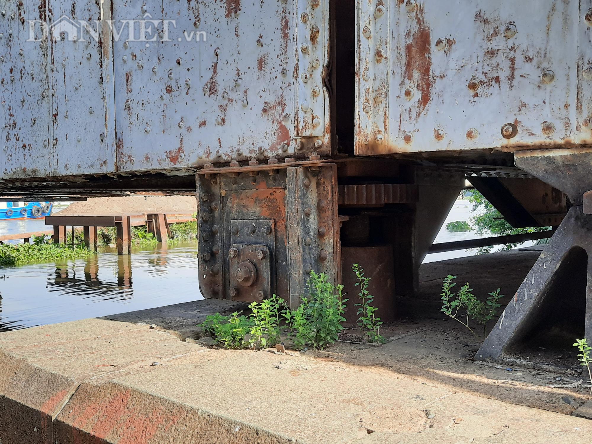 Hết ùn tắc giao thông đường thủy tại cầu sắt Bình Lợi - Ảnh 7.