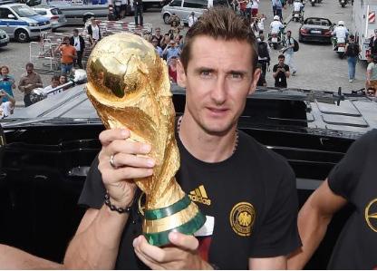 5 chân sút ghi nhiều bàn nhất lịch sử World Cup: Pele số 5, ai số 1? - Ảnh 2.