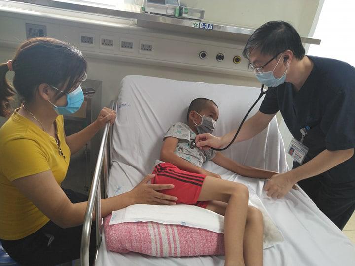 Bé 10 tuổi bị viêm não Nhật Bản nặng vì tiêm chủng không đúng lịch - Ảnh 2.