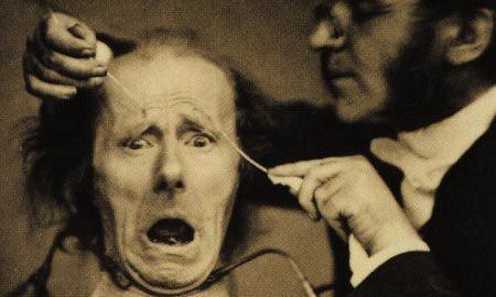 10 thí nghiệm tàn bạo nhất trên cơ thể người - Ảnh 1.