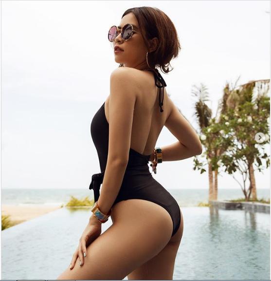 """""""Phớt lờ"""" ồn ào với Gil Lê, Hoàng Thùy Linh mặc bikini quyến rũ khoe dáng đẹp như tranh - Ảnh 2."""