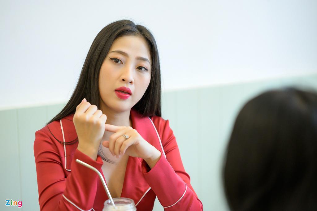 """MC Liêu Hà Trinh: """"Tôi và bạn trai Tây quen nhau qua app hẹn hò"""" - Ảnh 4."""