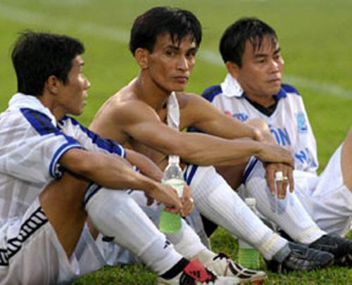 Nhóm cầu thủ Cảng Sài Gòn bán độ: Bán thắng để lấy 300 triệu đồng - Ảnh 1.