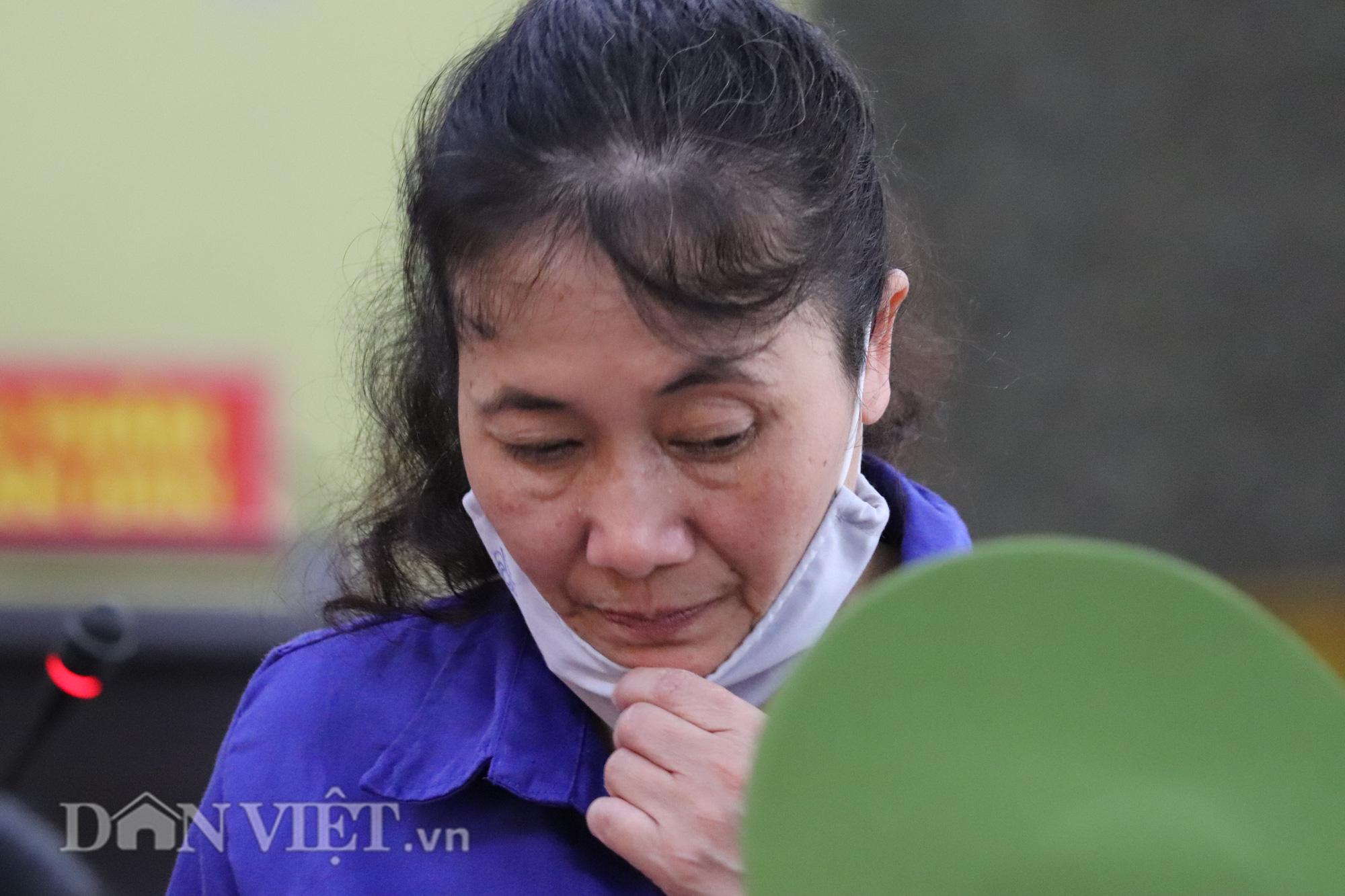 Cựu Trưởng phòng khảo thí bị xử phạt 21 năm tù - Ảnh 2.