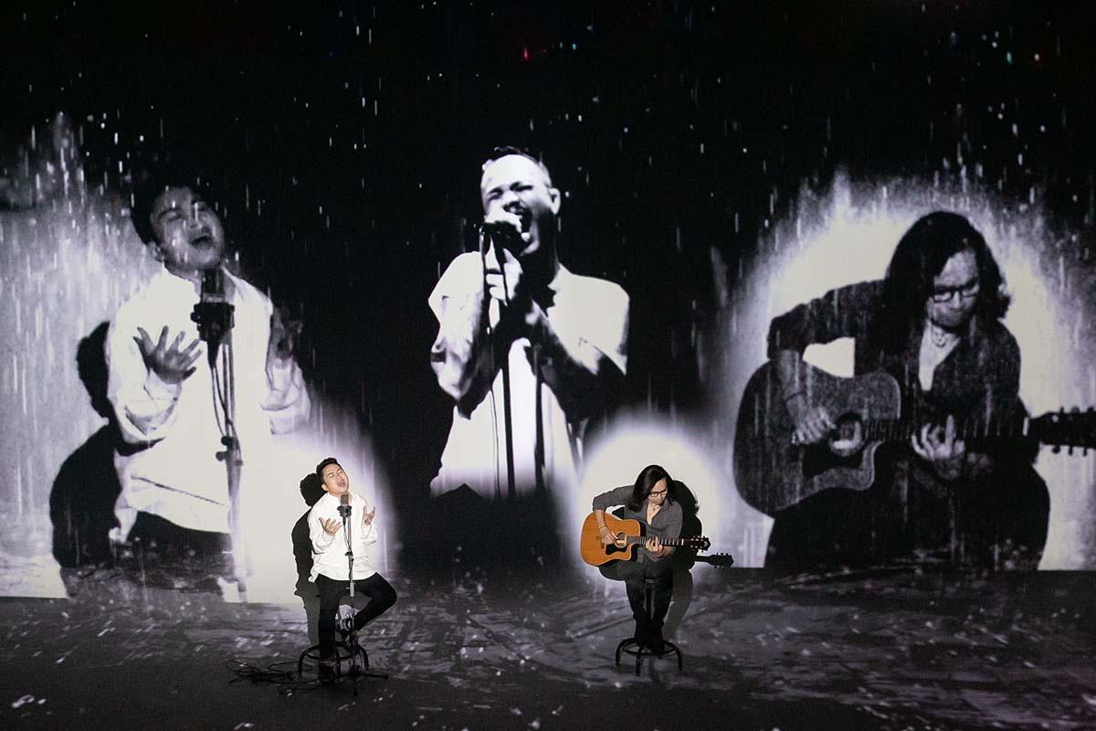 Xúc động với MV ''Cơn mưa tháng 5' của Tùng Dương - Trần Lập - Tuấn Hùng   - Ảnh 4.