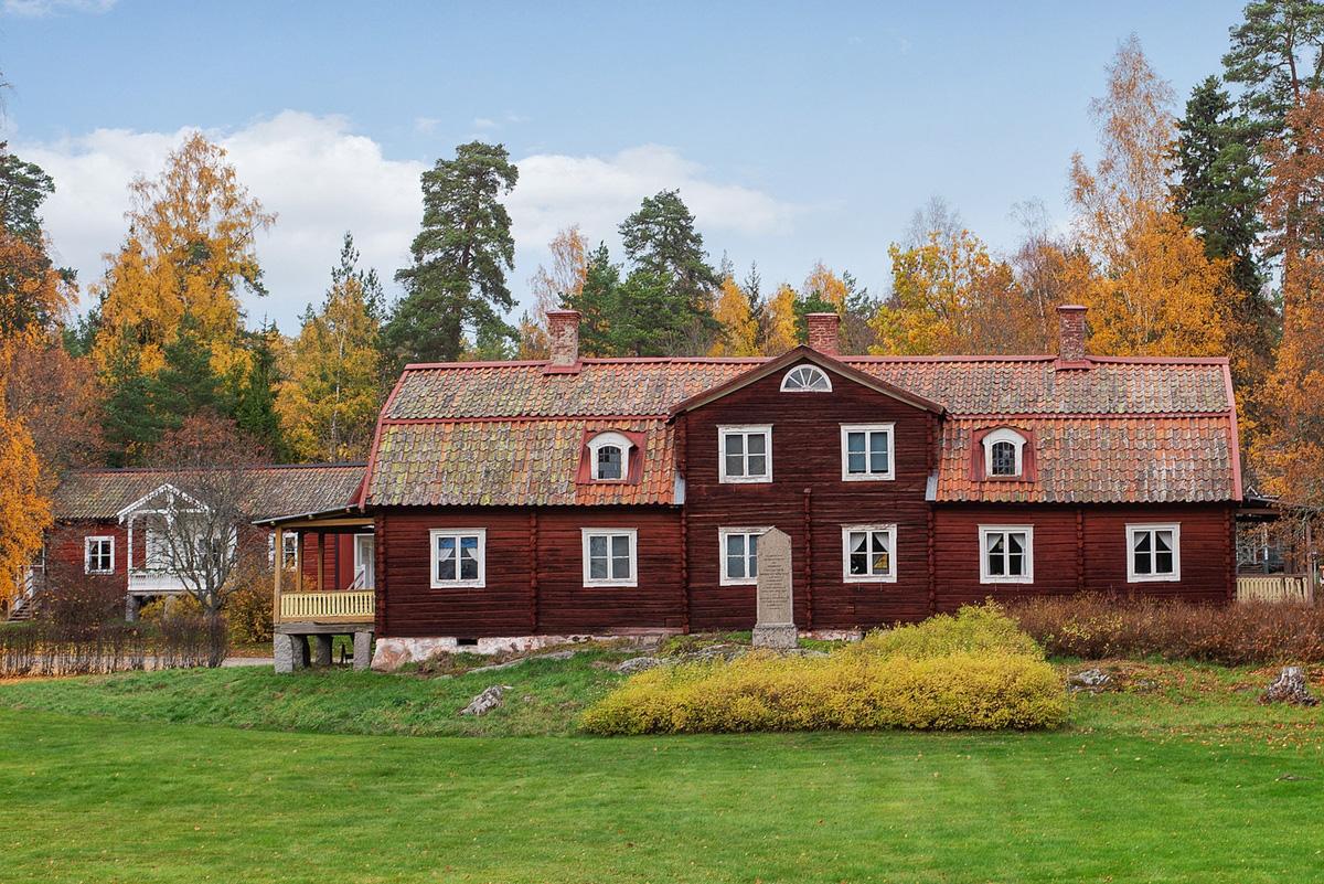 Rao bán cả ngôi làng giá hơn 7 triệu USD - Ảnh 5.