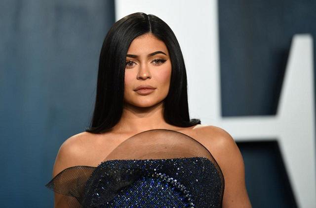 Kylie Jenner bị Forbes tước danh hiệu tỷ phú - Ảnh 1.