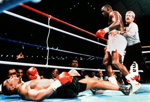 """Mike Tyson: Thất bại """"rung chuyển thế giới"""" trước đối thủ tép riu - Ảnh 2."""