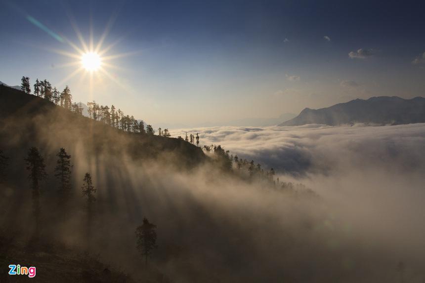 Sa Pa huyền ảo dưới làn mây trắng - Ảnh 3.