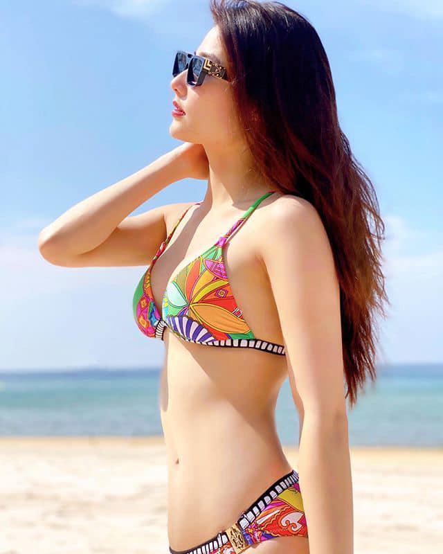 Diễm My 9X diện bikini quyến rũ hút mắt, dẫn đầu hội mỹ nhân tạo dáng ở biển - Ảnh 5.