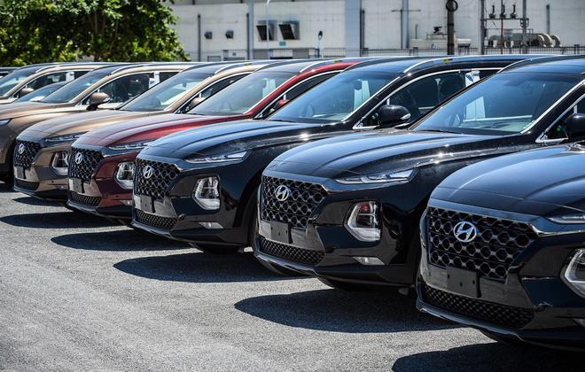 Bộ Tài chính không đồng ý giảm phí trước bạ ôtô, thuế xăng dầu - Ảnh 1.