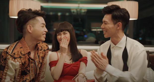"""Erik kể về bi kịch tình yêu của người nổi tiếng trong MV """"Em không sai chúng ta sai"""" - Ảnh 1."""