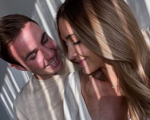 """Vợ """"Messi nước Đức"""" khỏa thân, khoe body đẹp khó cưỡng - Ảnh 1."""