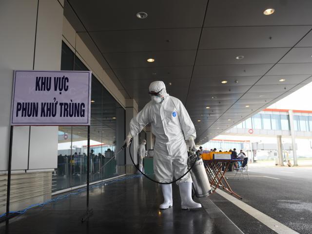 Số người chết vì COVID-19 trên thế giới vượt ngưỡng 270 nghìn, Việt Nam còn 34 ca dương tính