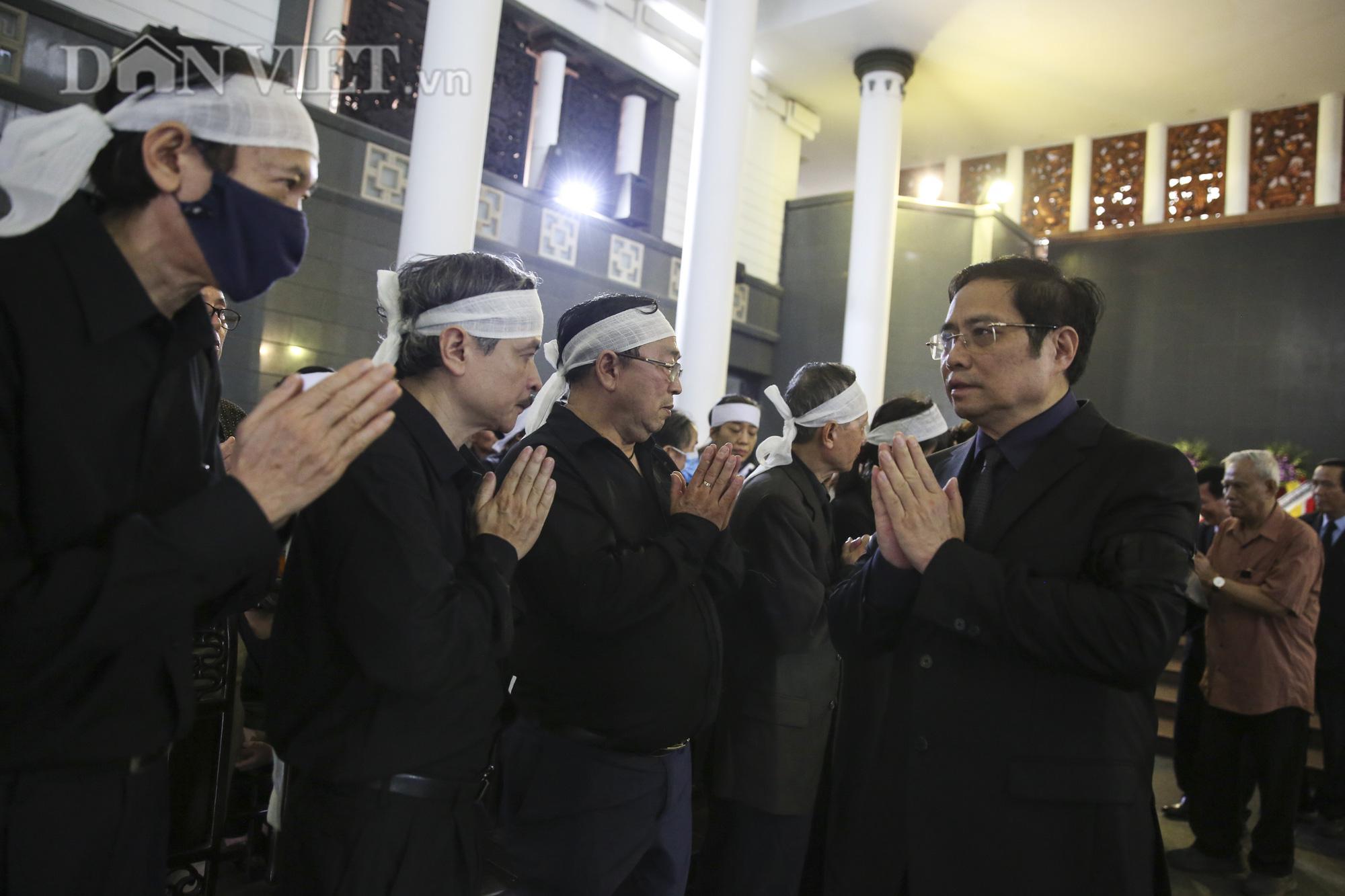 Thủ tướng đến viếng, tiễn đưa đồng chí Nguyễn Đình Hương - Ảnh 10.