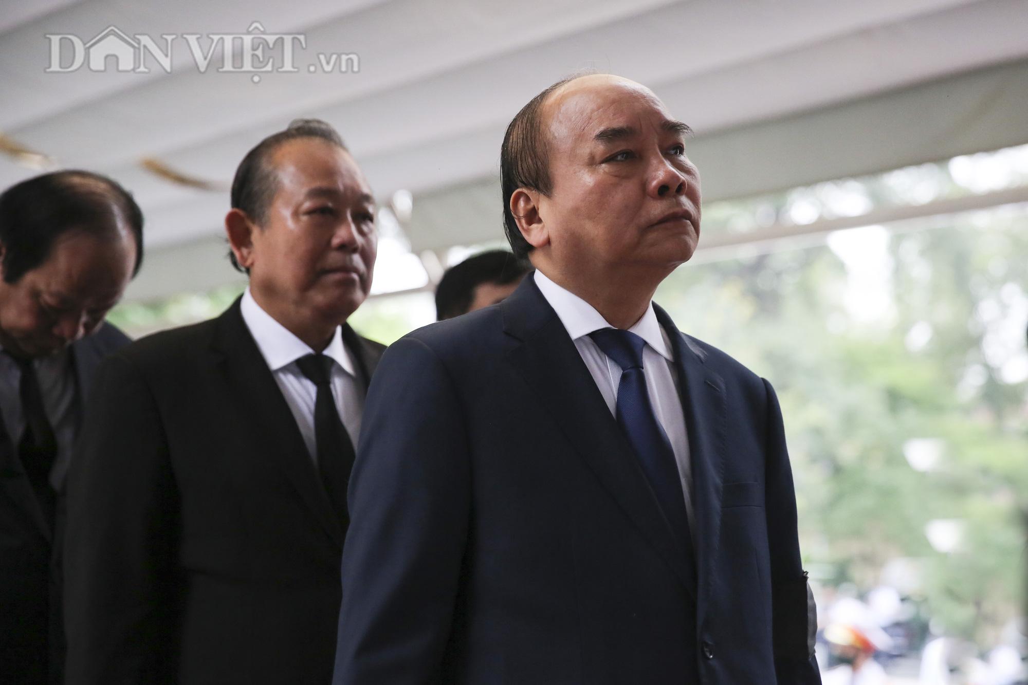 Thủ tướng đến viếng, tiễn đưa đồng chí Nguyễn Đình Hương - Ảnh 3.