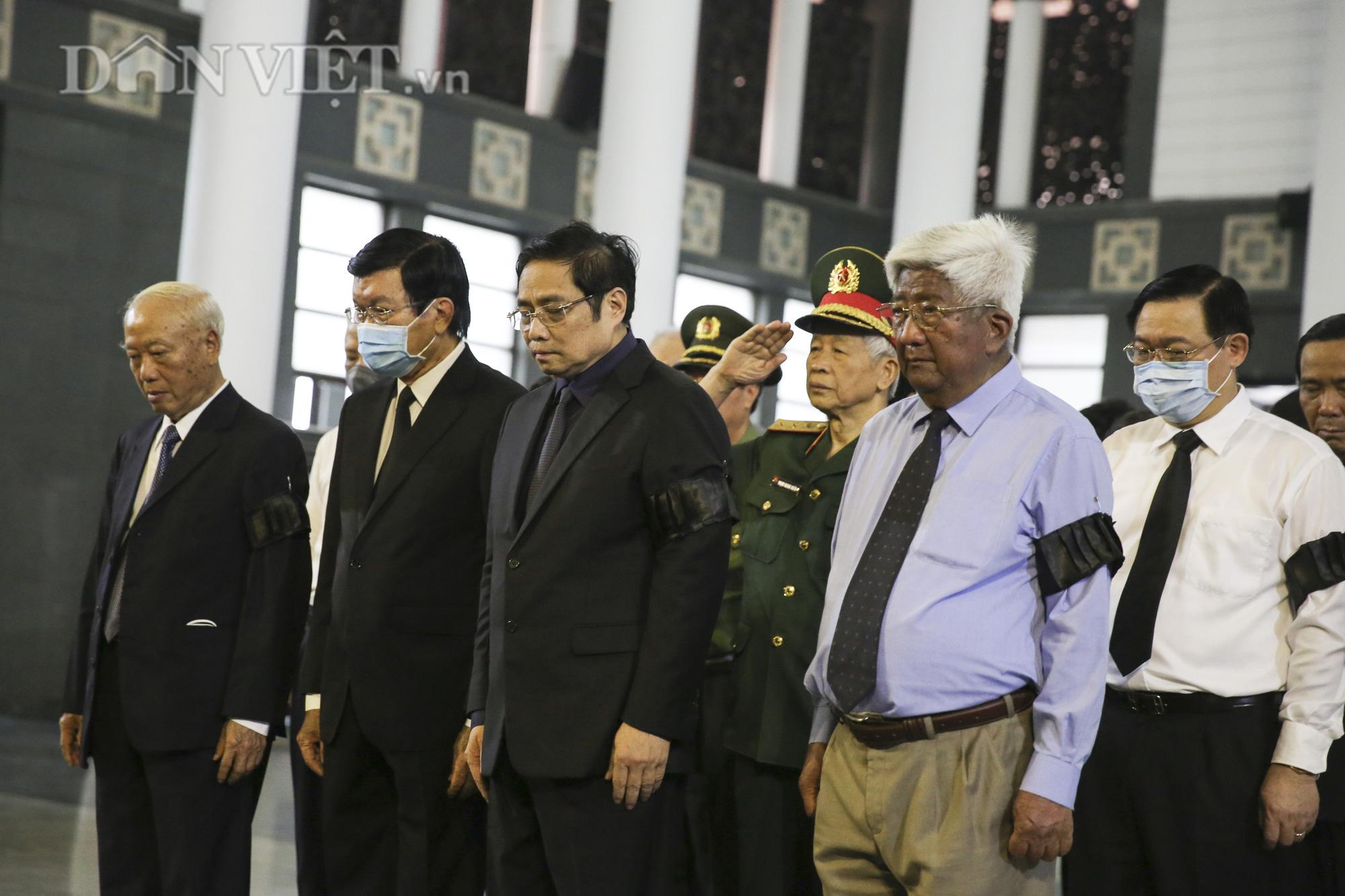 Thủ tướng đến viếng, tiễn đưa đồng chí Nguyễn Đình Hương - Ảnh 8.