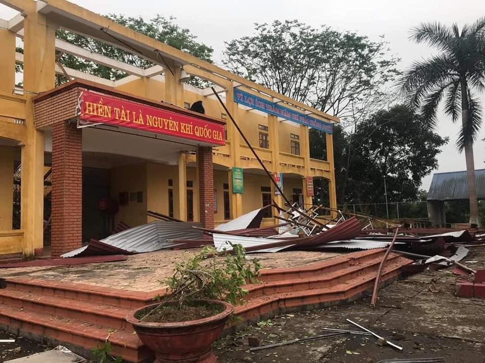 Thái Nguyên: mưa lớn, giông lốc làm hàng nghìn ngôi nhà tốc mái, thiệt hại 21,8 tỷ đồng - Ảnh 1.