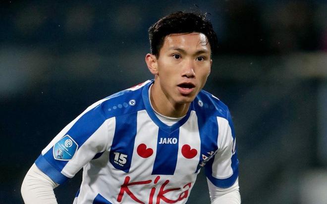 SC Heerenveen chỉ còn 1 trung vệ, cơ hội mở ra cho Đoàn Văn Hậu?