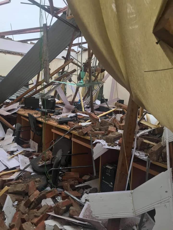 Thái Nguyên: mưa lớn, giông lốc làm hàng nghìn ngôi nhà tốc mái, thiệt hại 21,8 tỷ đồng - Ảnh 4.
