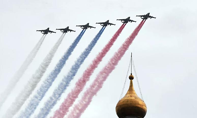 Video 75 máy bay Nga duyệt binh trên không kỷ niệm Ngày Chiến thắng