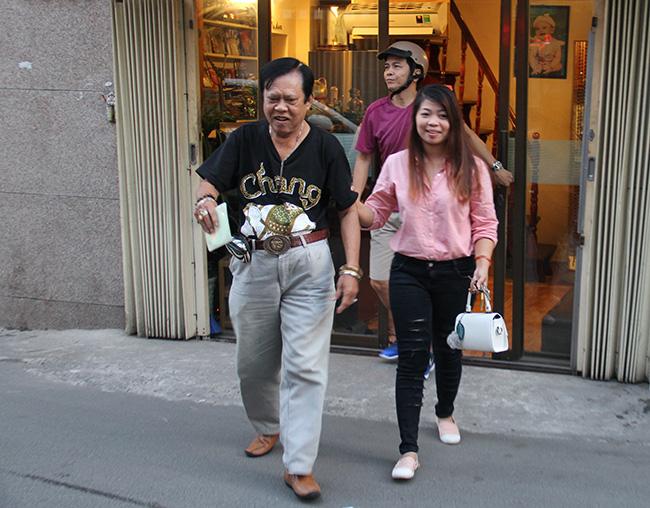 """""""Vua Bolero"""" có 3 đời vợ, mỗi tháng kiếm trăm triệu """"dám"""" chê bai Hoài Linh là ai? - Ảnh 5."""